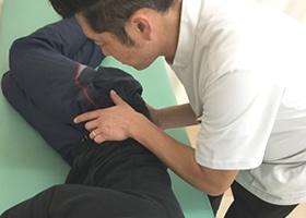 腰の施術2